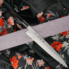 Japanilainen sushi veitsi Yanagiba Sakai Takayuki Inox Black Lacqured with Saya 04313A 24cm