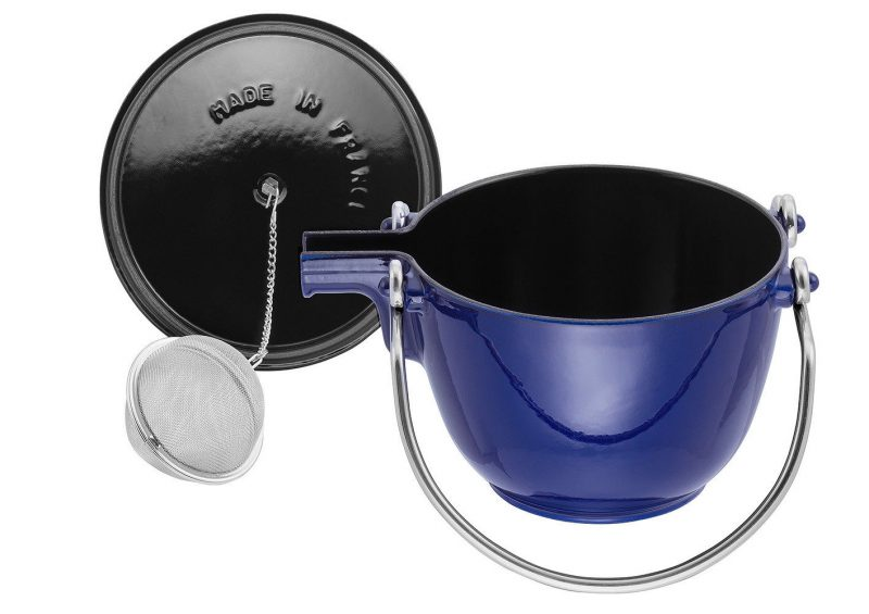Photo #3 Staub Round Tea Kettle dark blue 1650091